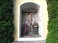 Detailansicht Bildstock mit Kreuzigungsgruppe.JPG