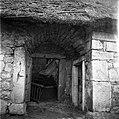 """Detajl hiše, (tu vhod """"u velbiču"""", desno vrata """"v hišo"""", naravnost vrata v štalo- hlev), pri Koučanovih, Gradišče 1955.jpg"""