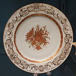 Dish with gray and gilt border, Chinese porcelain, 1740-1755 - Winterthur Museum - DSC01528.JPG