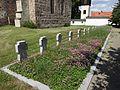 Dorfkirche Paplitz Kriegsgraeber.jpg
