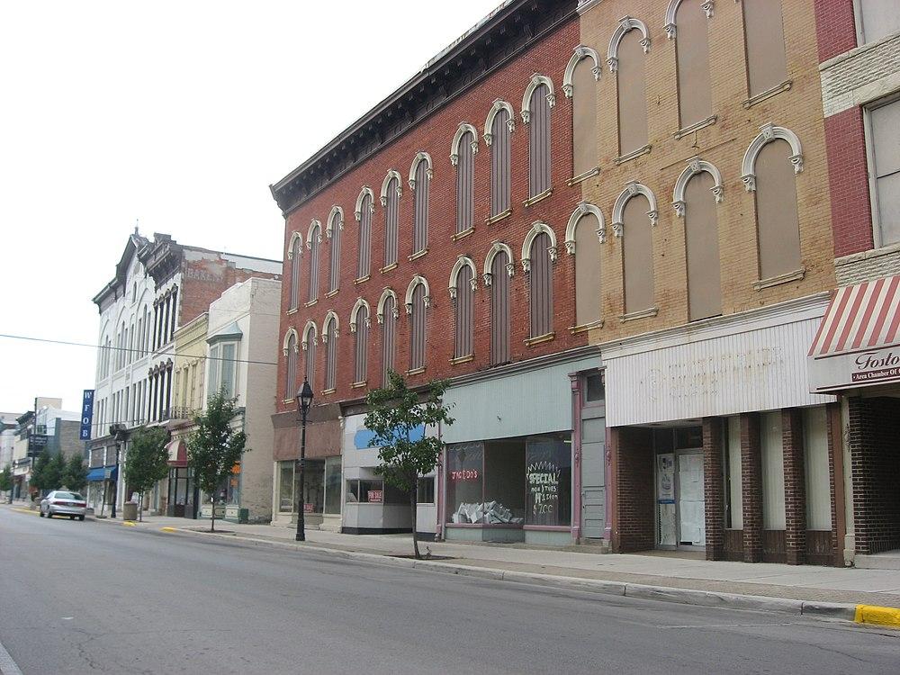 The population density of Fostoria in Ohio is 668.37 people per square kilometer (1732.09 / sq mi)