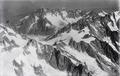 ETH-BIB-Col des Hirondelles, Aiguille Verte, Mer de Glace v. S. aus 4500 m-Inlandflüge-LBS MH01-005184.tif