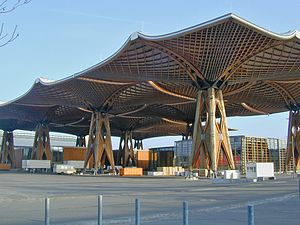 Engineered wood - Very large self-supporting wooden roof. Built for the world fair in the year 2000, Hanover, Germany.