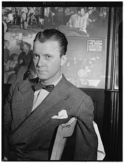 Eddie Condon, Eddie Condon's, New York, ca. June 1946 (William P. Gottlieb 01691).jpg