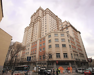 Edificio España - View of Edificio España from the north angle.