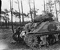 Een Sherman tank, Bestanddeelnr 900-0425.jpg