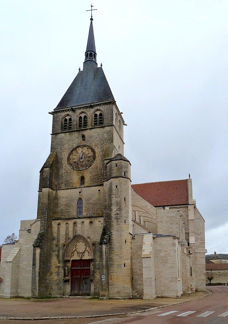 L'église Saint-Pierre-ès-Liens, façade.