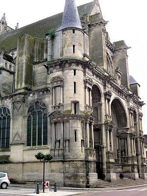 Villeneuve-sur-Yonne - Porch of Notre-Dame de l'Assomption