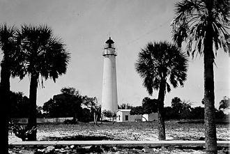 Egmont Key Light - The Egmont Key Lighthouse before its lantern was removed in 1944
