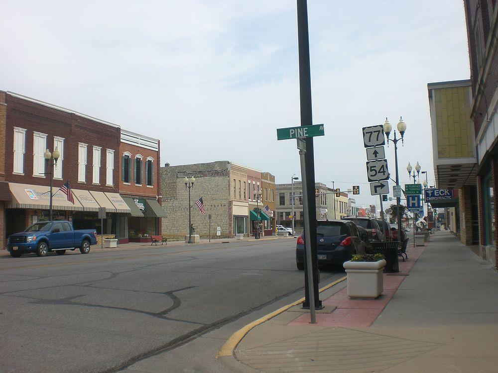 The population density of El Dorado in Kansas is 549.41 people per square kilometer (1423.06 / sq mi)