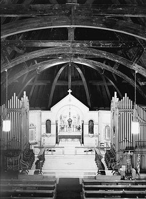 8c8283f487c6 History edit . Interior. In 1867 Emmanuel Episcopal Church ...