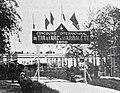 Entrée du stand de tir à l'arbalette, à Vincennes, pour l'exposition universelle de 1900.jpg