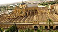 Erst von oben eröffnet sich das wahre Ausmaß der Mezquita. - panoramio.jpg