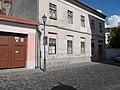 Esztergom 2016, Berényi Zsigmond utca 5, a volt iskolaház.jpg