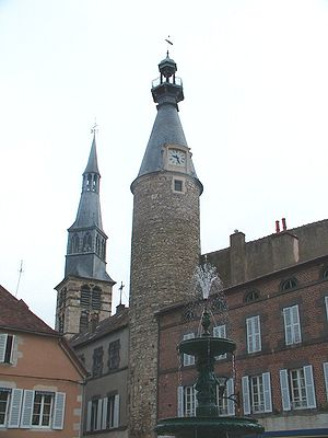 Saint-Pourçain-sur-Sioule - The belfry of the church and the clock tower