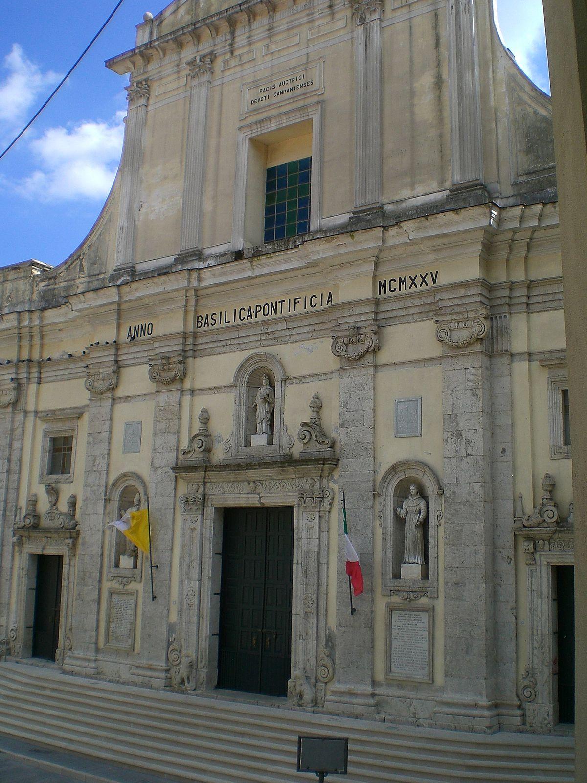 Basilica concattedrale di santa maria della pace wikipedia for Piani del granaio di campagna