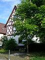 Fachwerkhaus und Brunnen in Weiler.jpg