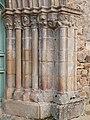 Faisceau de colonnettes du portail ouest.jpg
