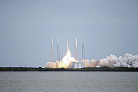 Falcon 9 CRS-2 launch 03 (KSC-2013-1752).jpg