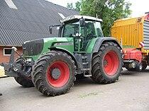 Fendt 920 Vario TMS, Veenhuis loader wagon.jpg