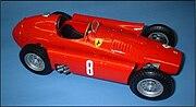 Ferrari D50 : les anciens réservoirs latéraux sont transformés en carénages