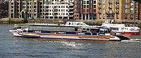 Pramoj sur la Rivero-Temso, Londono - geograph.org.uk - 1773487 kroped.jpg