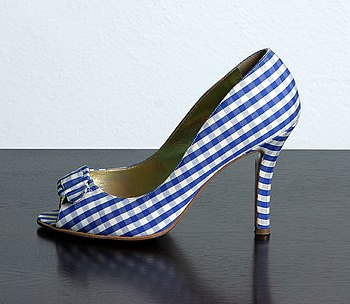 Deutsch: Flamenco-Pumps