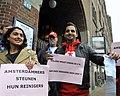 Flickr - NewsPhoto! - Amsterdamse stadsreinigers protesteren bij Giro d'Italia diner.jpg
