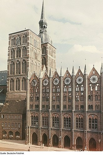Hanseatic League - The Hanseatic League was a powerful economic and defensive alliance that left a great cultural and architectural heritage. It is especially renowned for its Brick Gothic monuments, such as St. Nikolai and the city hall of Stralsund shown here. Together with Wismar, the old town is listed as a World Heritage Site by UNESCO.