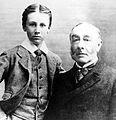Franklin Delano Roosevelt with father James Roosevelt in 1895.jpg