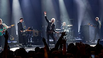 Franz Ferdinand (band) - Franz Ferdinand performing live in 2018. From left to right: Bardot, Corrie, Kapranos, Thomson, and Hardy.