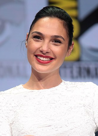 Gal Gadot - Gadot at the 2017 San Diego Comic-Con