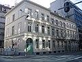 Geheel van eclectische herenhuizen aan de Belliardstraat 19-23.jpg