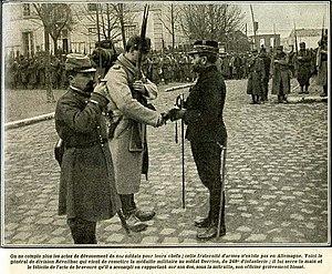 Souain corporals affair - General Géraud Réveilhac making a medal presentation in 1915.