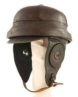 00cacae16fca9 German leather flight helmet of World War I