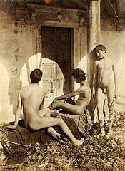 Gloeden Three nude boys.jpg