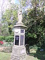 Grabmal auf dem Friedhof, Ihlienworth.jpg
