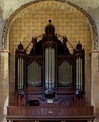 Great organ Saint-Austremoine Issoire.jpg