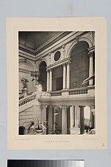 Interior do Edifício-monumento do Ipiranga: Vista do andar superior a partir da escadaria central