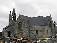 Gurunhuel (22) Église 02.JPG