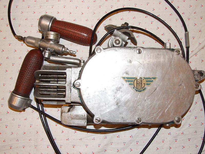 Der HAZA 25-D 800px-HAZA_25-D_Hilfsmotor
