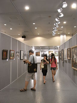HK CWB HKCL art exhibition hall interior 03 visitors ceilling lighting