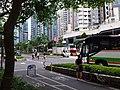 HK TKO 將軍澳 Tseung Kwan O 寶盈花園 Bauhinia Garden 唐俊街 Tong Chun Street bicycle lane n school bus May 2019 SSG.jpg