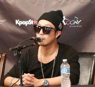 Haha (entertainer) - Haha at press conference,  Running Man Brothers' US Tour (Dallas, December 14, 2014)