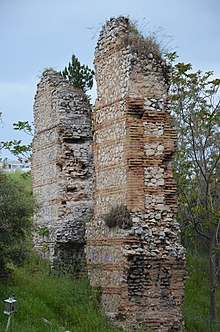 Hadrianic aqueduct, Remains of water bridge in Nea Ionia, Athens (14050157644).jpg