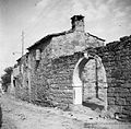 Hiša Tapeževe Jucke, s ceste, Dekani 1949.jpg