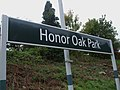 Honor Oak Park stn signage.JPG