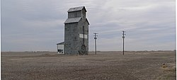 Hooker Woodframe Grain Elevator from SW 1.JPG