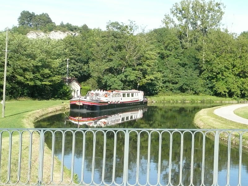 A hotel barge to the Nivernais Canal at Mailly-le-Château