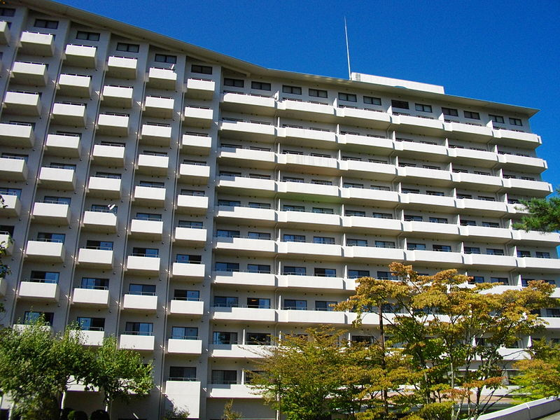 File:Hotel Regina Kawaguchiko.JPG